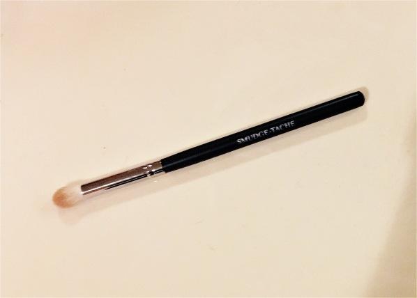 Smudge-tache blending brush