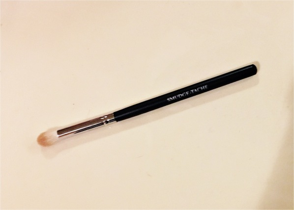 Smudge-tache blending brush