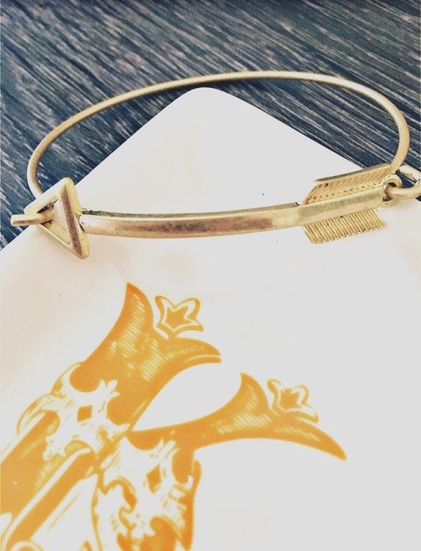 Wantable Milania Arrow Bracelet Gold