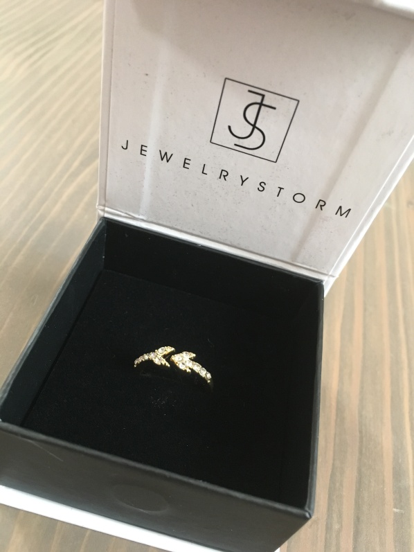 JewelryStorm arrow ring
