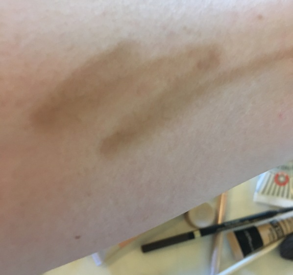 Maybelline Brow Drama Pomade crayon swatch blonde