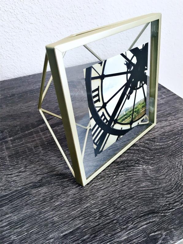 Umbra Frame