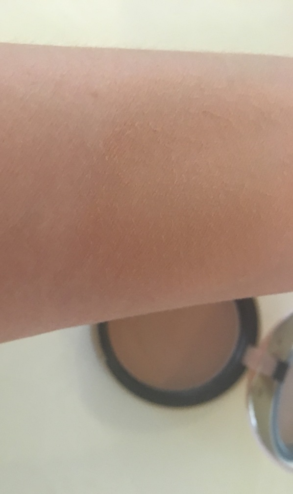 Bronzed & Poreless Arm Swatch