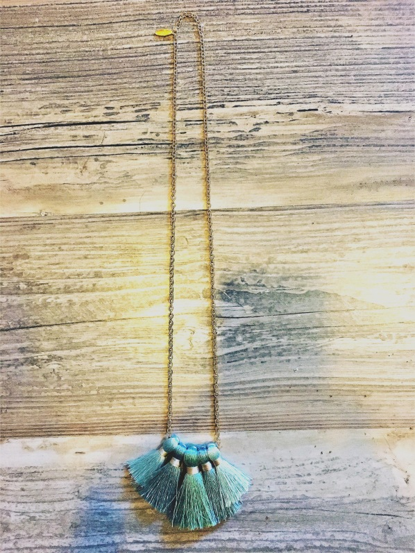 Miss Ivy Pearl 5 tassel necklace