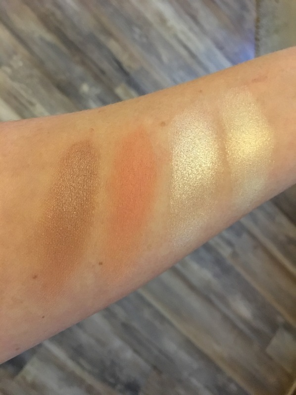 Pixi Book of beauty Highlight blush swatch