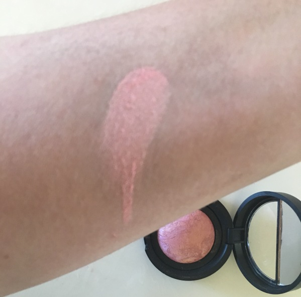 Laura Geller Tropic blush swatch