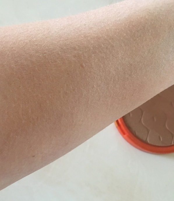 Loreal Glam Bronze Swatch blend