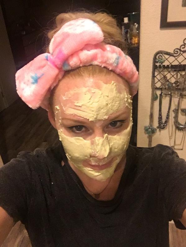 Modeling Lindsay Gold Modeling Mask