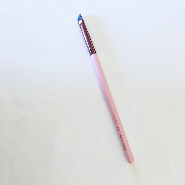 Luxie small angled brush rose Gold