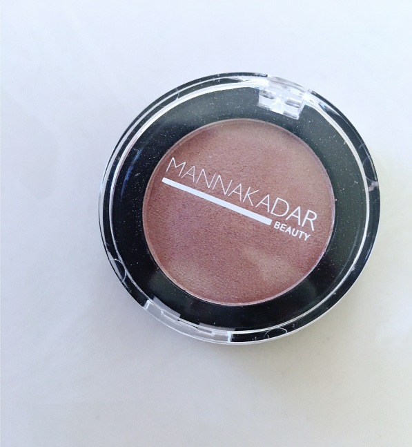 Manna Kadar Eyeshadow single