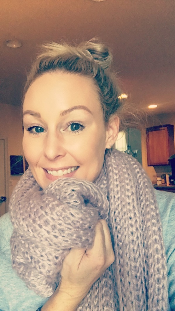 buji-baja-lavender-rib-scarf-on