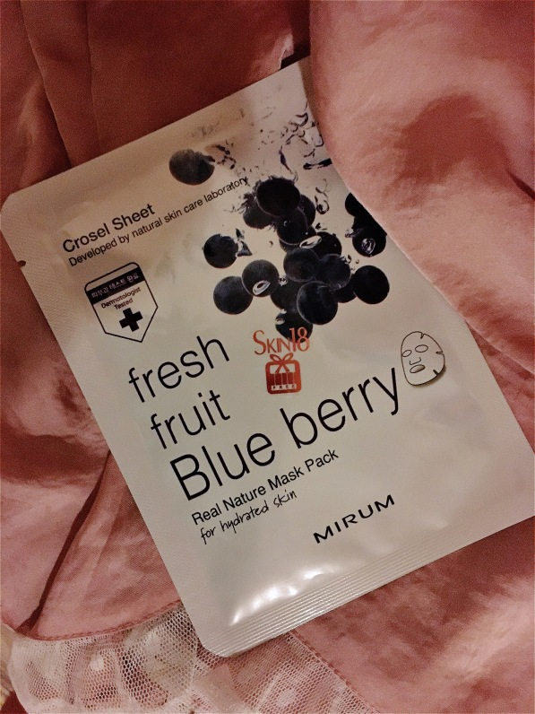 fresh-fruit-blueberry-mask-skin18