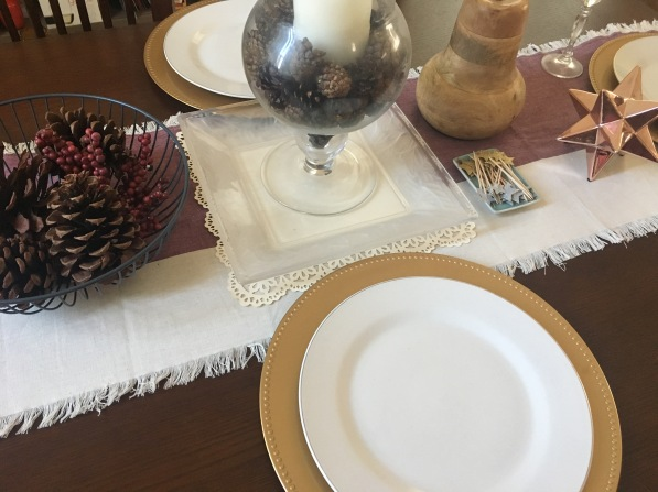psmh-holiday-dining-table