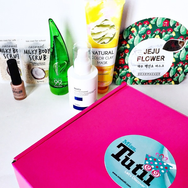 Miss Tutii Box January 2016.jpg