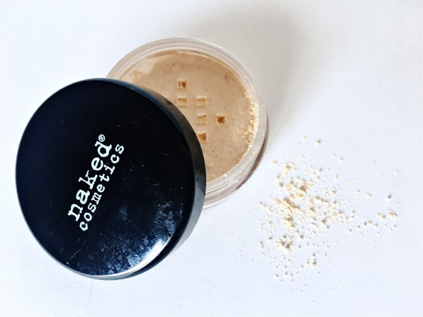 naked-cosmetics-banana-finishing-powder