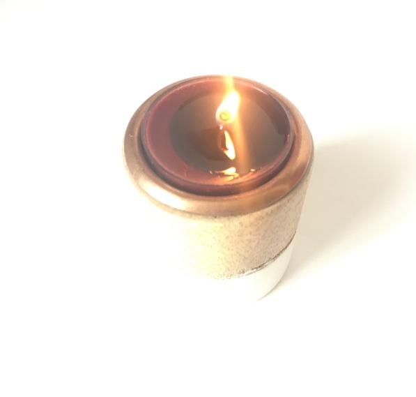 red-flower-moroccan-rose-tealight-candle